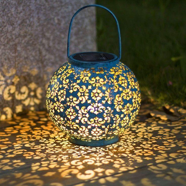 Solar Laterne Fur Aussen Diese Solarleuchte Ist Ein Echter Blickfang Und Zaubert Ein Stimmungsvolles Romantis Laterne Garten Solar Hangelampen Licht Im Garten