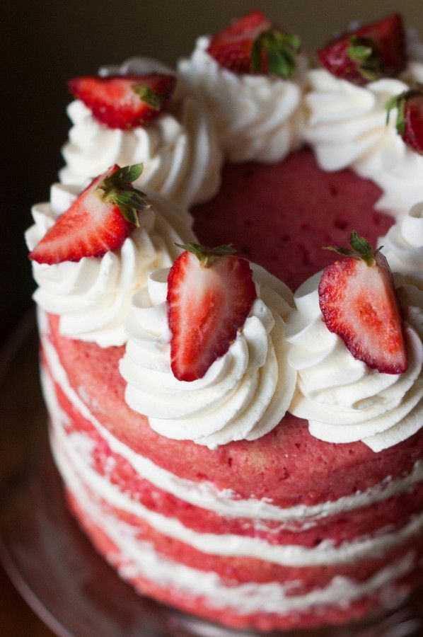 25+ best ideas about Strawberry Cream Cakes on Pinterest ...