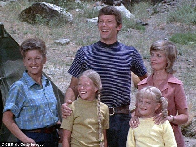 Brady Bunch Christmas Movie | The Brady Bunch housekeeper Ann B Davis dies at age 88 after hitting ...