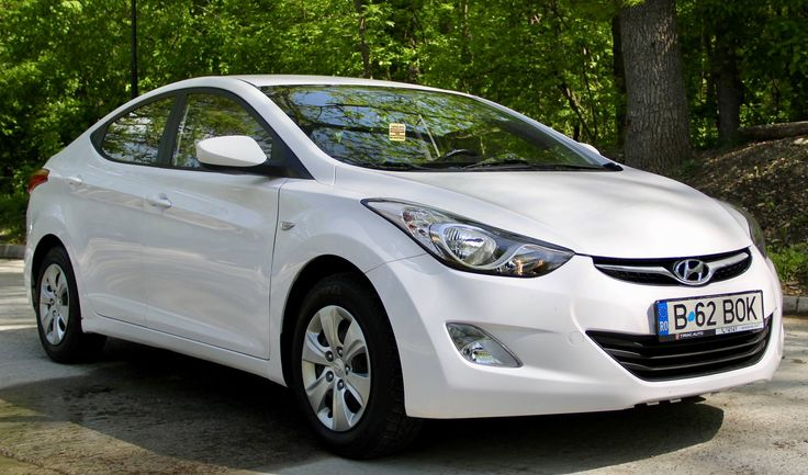 Finding a good car to rent in Romania can be quite difficult. However, with the help of professionals you can find yourself driving a beauty like this Hyundai Elantra!