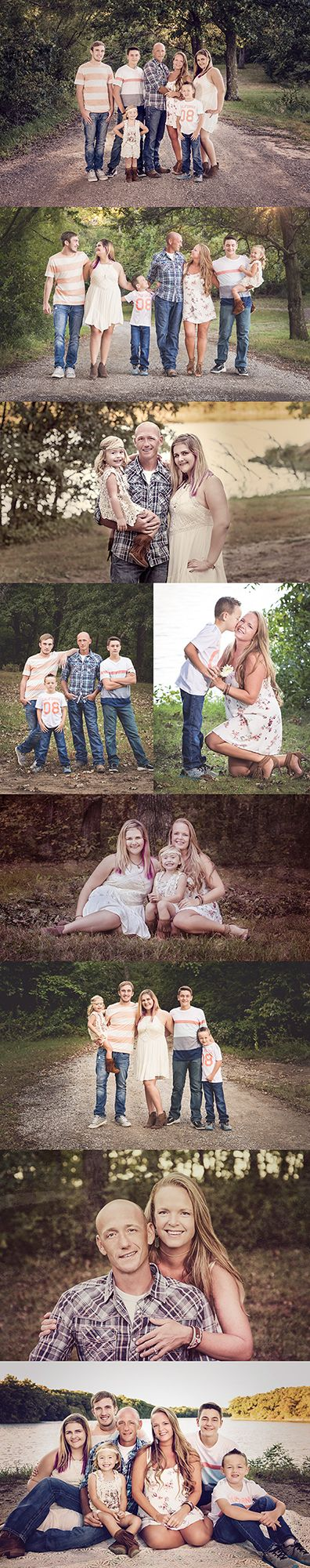 Large blended family pictures. Large family posing ideas. Family photo outfit ideas. Blue and Peach. Lake and woods location.