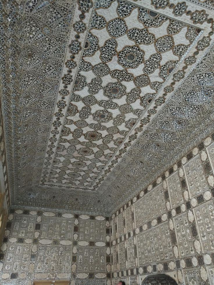 Intricate detailed workmanship on ceilings and walls