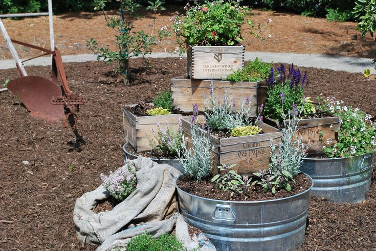 <3! I'm in love with doing container gardens out of wine boxes! This will be where the herb garden is going this summer.