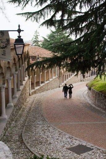 Udine, salita castello. (Friuli Venezia Giulia)