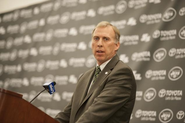 New NY Jets general manager John Idzik promises thorough review of roster, calls talk of trading Revis 'premature'
