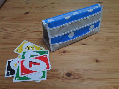 DIY for playing card holder in oillcloth | maak je eigen speelkaartenhouder uit tafelzeil