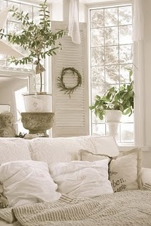 relax: Decor, Living Rooms, Idea, White Rooms, French Country, White Bedrooms, House, Sit Rooms, Guest Rooms
