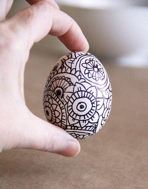 alisa burke - zentangle Easter eggs