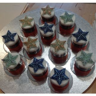"""These were also cooked in the Silverwood 3"""" tins but for the decorations we used the filigree star mould from First impressions and Handpainted with the Rainbow Dusts mettalic paints"""