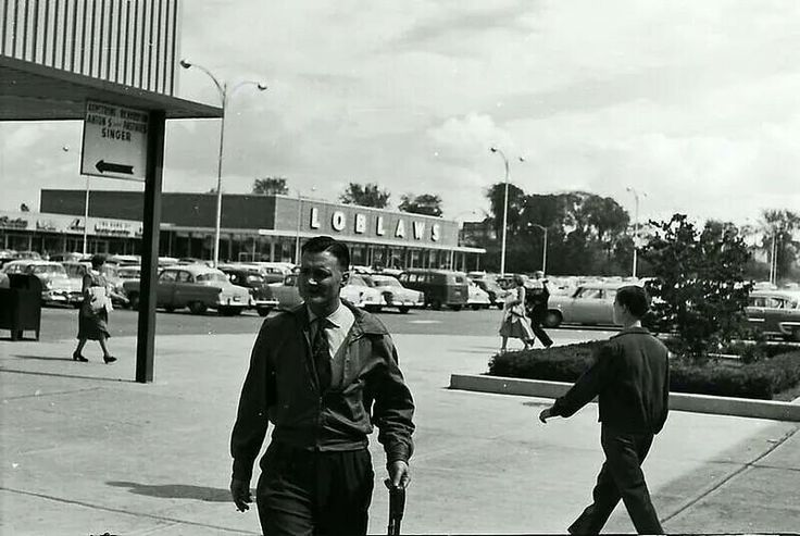 Carlingwood Shopping Centre ... Ottawa, Ontario, Canada ... 1956-1957 ... before it was enclosed