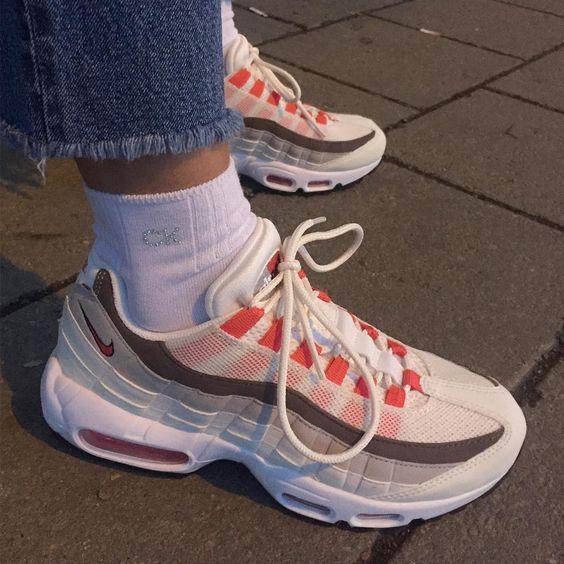 Pin tillagd av Johanna Idefjell på SHOES | Sneakers