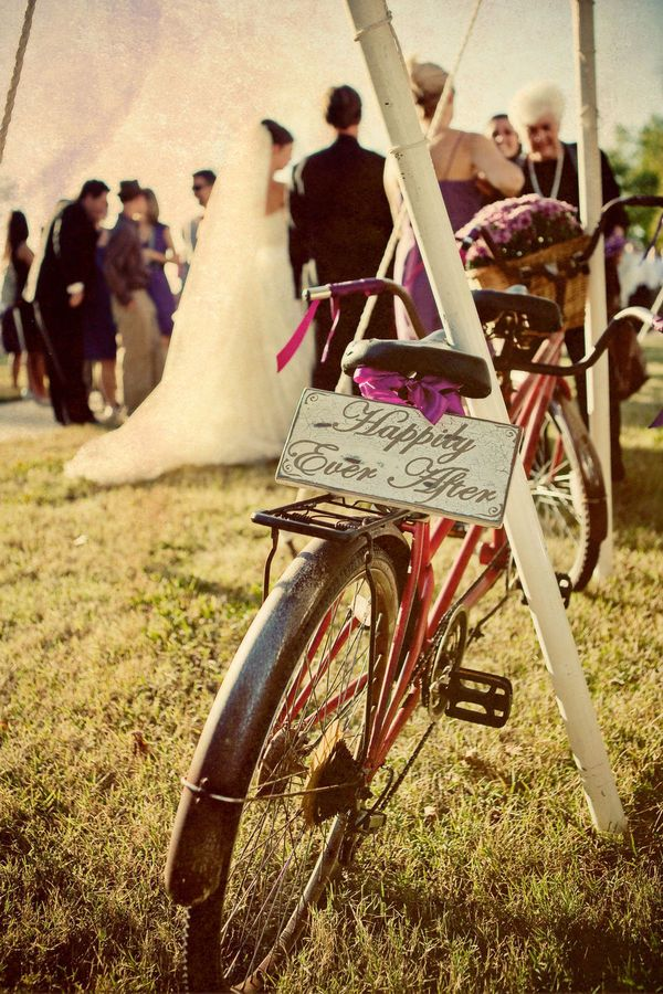 tandem bike at wedding..maybe at my 2nd wedding....Jed even agreed it would be cool.