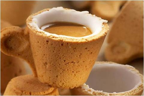 Coffee with an eatable cup