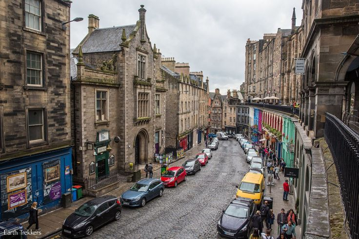 The perfect itinerary with two days in Edinburgh, Scotland. Walk the Royal Mile, climb Arthur's Seat. Where to stay and where to eat in Edinburgh.