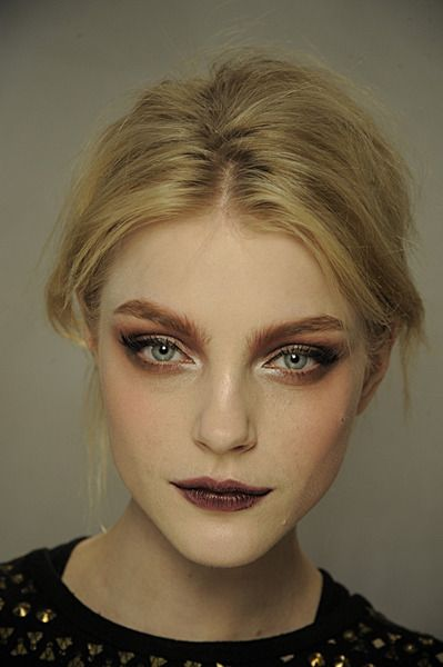 Jessica Stam Wine stain lips and neutral smokey eyes. An eerie yet beautiful look.