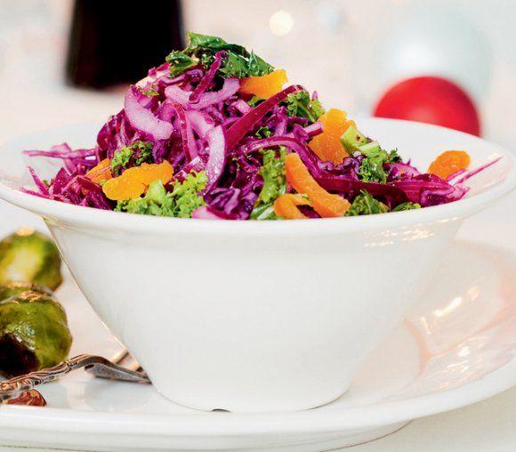 Sötsyrlig sallad med säsongens kål och fruktig dressing - SweetSour Kale Salad with a fruity Dressing