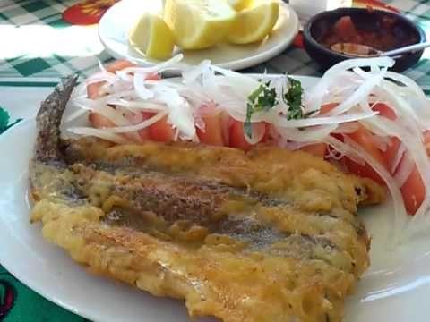 Pescada Frita con Chilena Simple, perfecto, servida con una sonrisa. http://encargado.cl