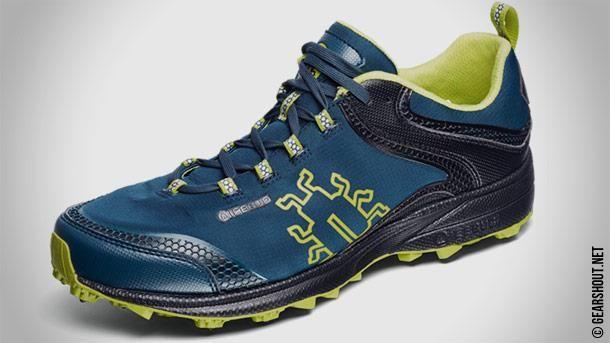 Зимние беговые кроссовки с шипами