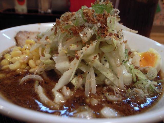 三平らーめん - 元祖濃厚黒味噌とんこつ野菜盛り1.5玉