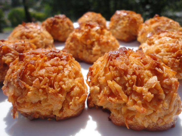 Dulce de Leche Cocada (Coconut Macaroons)