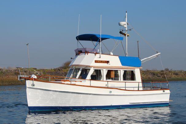 1979 Grand Banks 32 Sedan #GrandBanks #Trawler