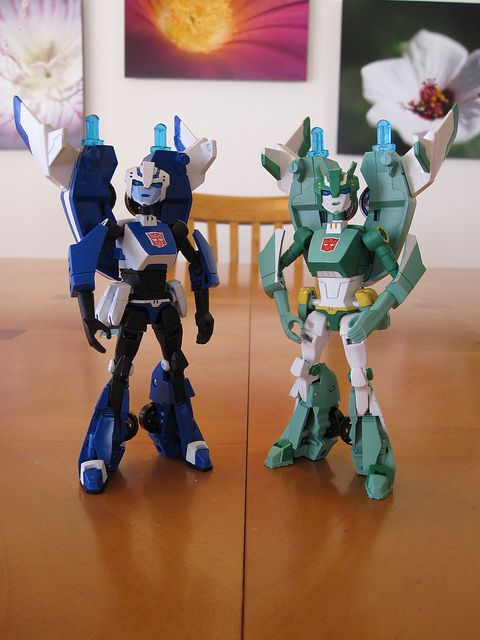 Custom Transformers Animated Chromia and Moonracer | Third ...