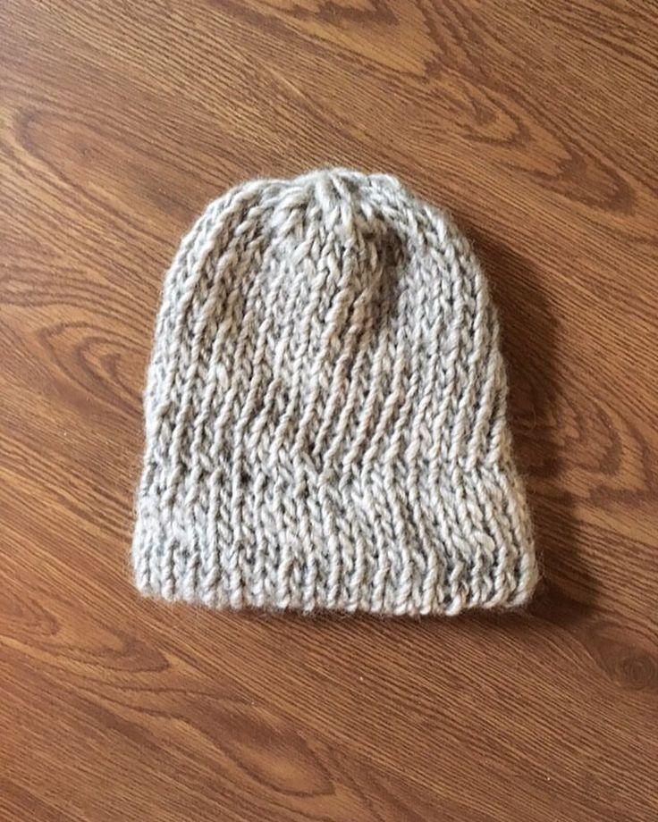 Knit hat / Icelandic wool hat / 100% wool /