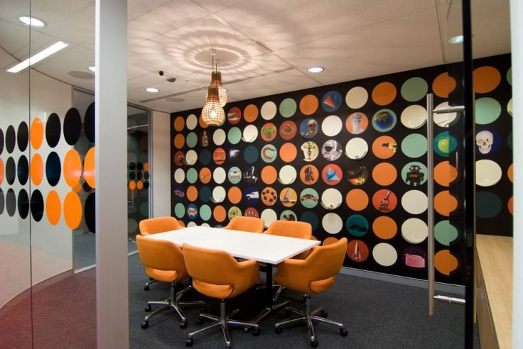Designing Conference Room with Appealing Interior Ideas : Modern Meeting Room Office Interior Design Zeospot