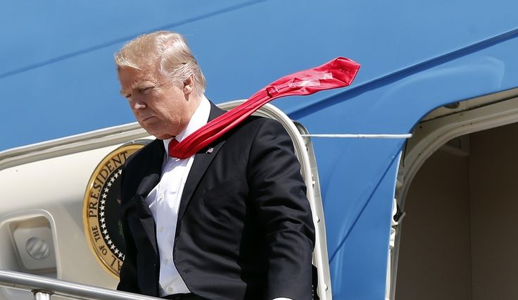 Trump Scotch-Tapes His Tie Again – Cheap Tie Clip Has Internet Going Crazy