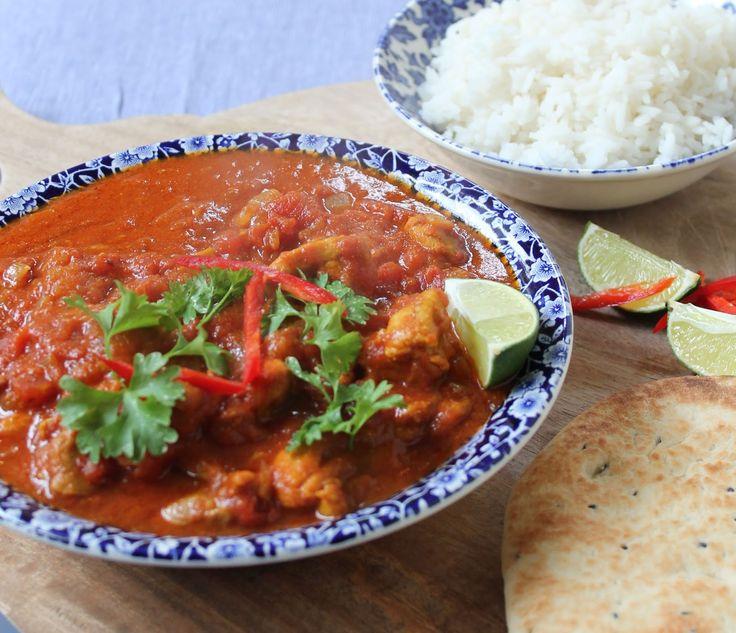 Er wordt druk geklust in dit huis, maar er moet natuurlijk ook gewoon gegeten worden. Deze curry van de bbc-foodwebsite  ging erin als koek ...
