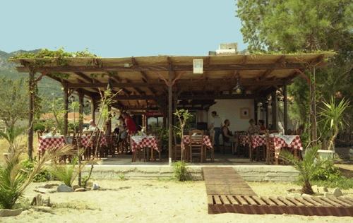 ayyelos restaurant, votsalakia samos Greece.