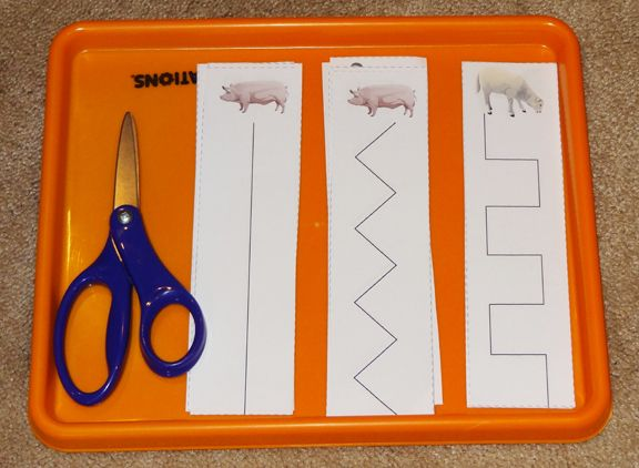Farm Montessori tray: Scissors practice || Gift of Curiosity