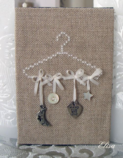 Love the hanger in cross stitch -  christmas pattern too! Elisa cintre blanc