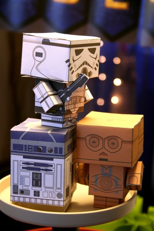 The Lego Star Wars party, accent on the Star Wars… « denna's ideas, yoda soda, doilies, edible ewoks....playdough ewok?