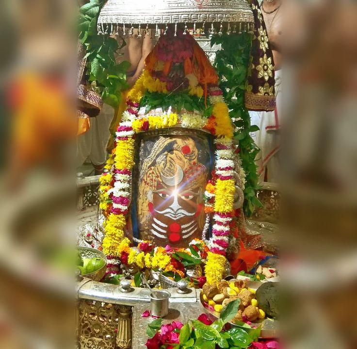 Dec. 25 - #Bhasma #Aarti pic of Shree #Mahakal #Ujjain  #god #shiv #shiva #shivay #bholenath #mahadev #mahakaleshwar #jyotirling #jaibholenath #jaimahakal #om #omnamahshivay #harharmahadev #ॐ #महाकाल #भस्म #आरती #शिव #महाकालेश्वर #उज्जैन #mptourism #madhyapradesh #tourism #travel #incredibleIndia