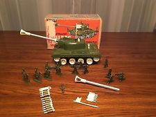 Remco Bulldog Light Tank With Box, Battery Operated Antique Toy With Soldiers