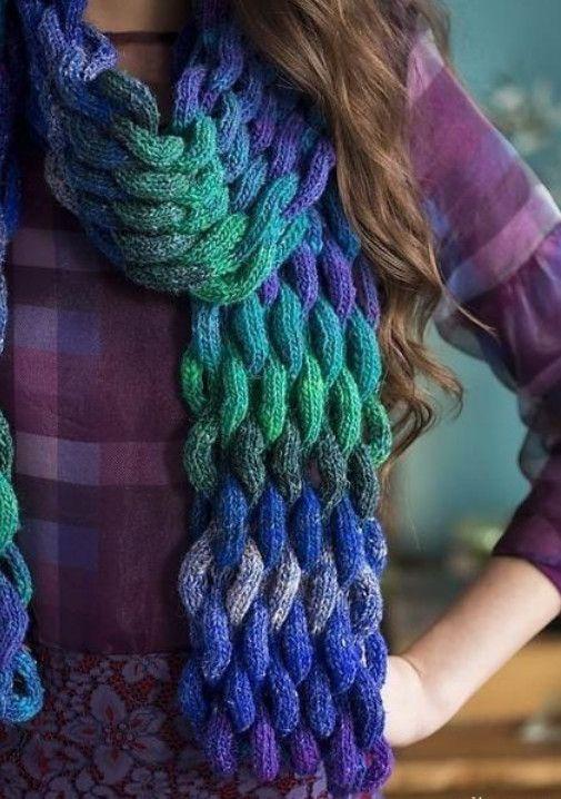 Красивый объемный «плетеный» шарф... Какая стильная и теплая прелесть!