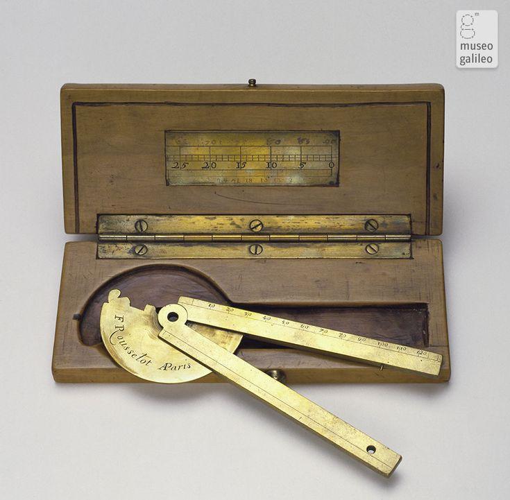 Folding Square 18TH CENTURY PARIS. INSTEAD READING OF THE ANGULAR APERTURE.  Antique Woodworking ToolsAntique ...