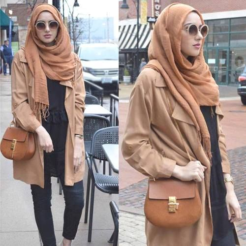 tan jacket hijab outfit- Long and modest hijab outfits http://www.justtrendygirls.com/long-and-modest-hijab-outfits/