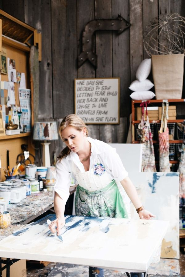 Deann Hbert at work: http://www.stylemepretty.com/living/2015/08/06/behind-the-scenes-with-artist-deann-hebert/ | Photography: Paige French - http://www.paigefrench.com/