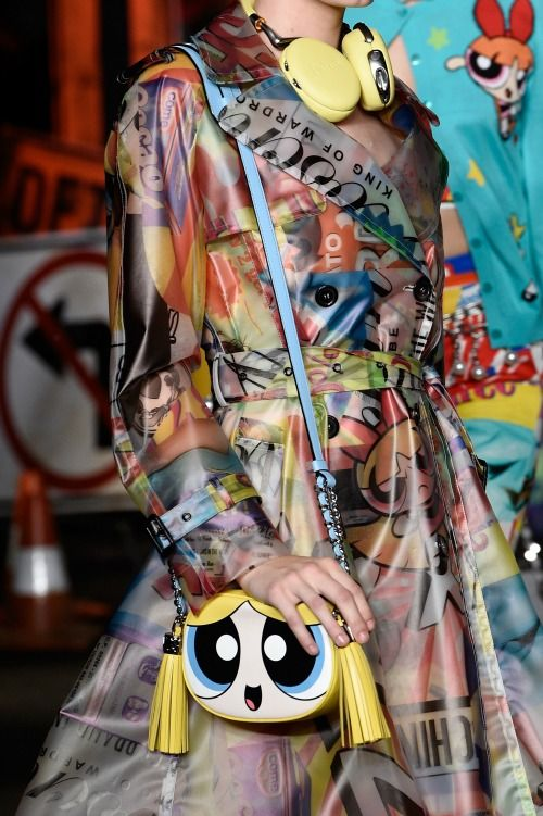 be00ae6ac1 Moschino Teams Up With Cartoon Network for Powerpuff Girls Collection in  2019   Fashion - My Personal Style   Fashion, Moschino, Powerpuff girls