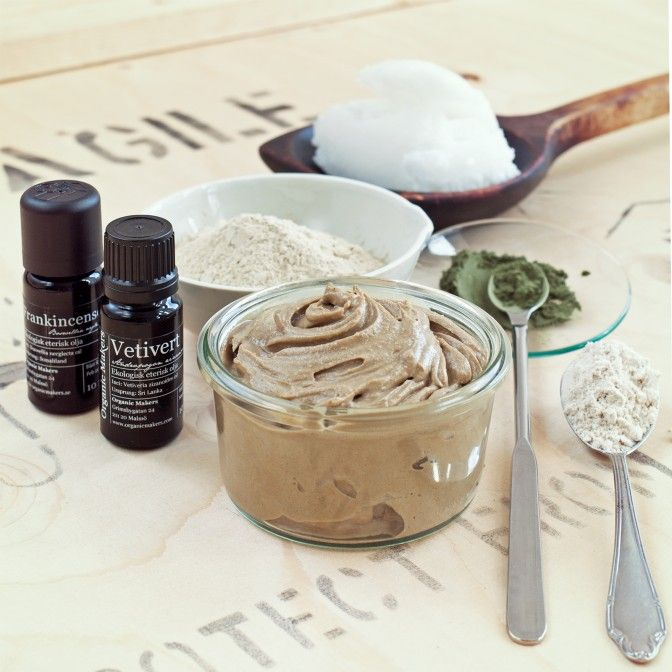 Organic Makers - DIY clay & coconut cleanser with nettle and colloidial oats