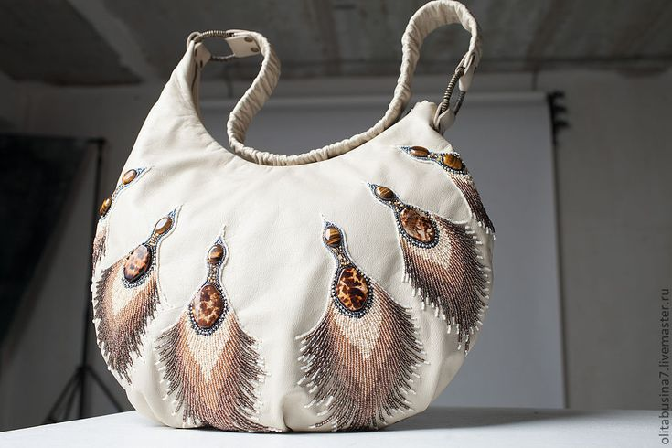 """Купить Сумка кожаная """"Царевна-Лебедь"""", вышивка бисером - бежевый, сумка из натуральной кожи"""