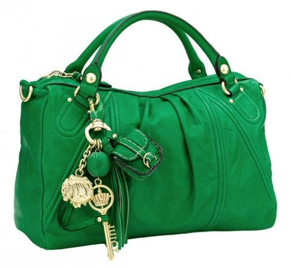 Usually I think Juicy purses look ghetto, but surprisingly...I like this one. Must have something to do with the green..lol