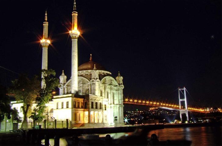Ortakoy Mosque | by Durukos Yachting