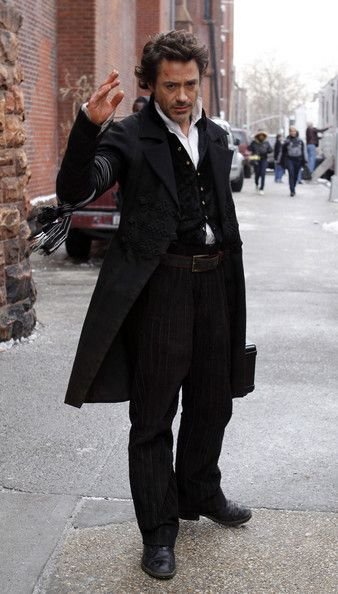 Robert Downey Jr. Photos - Robert Downey Jr & Rachel McAdams Leaving 'Sherlock Holmes' Set - Zimbio