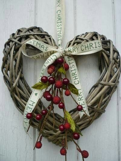 Pretty country heart wreath: Change for thanksgiving/valentine's