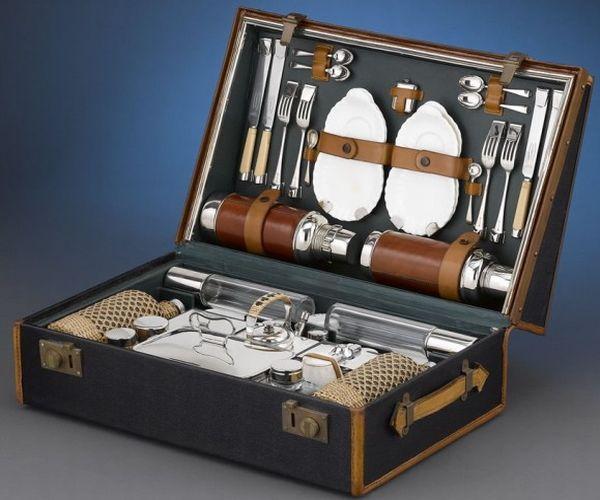 1905 Rolls Royce picnic case