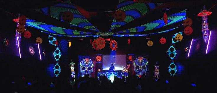 Dance of the Undead 31.10.2014 - SLOVENIA, Maribor StringART, Acid Skull Tapestries, Mushrooms, Dreamcatchers* :)   https://www.facebook.com/PsyFlyDreamcatchers