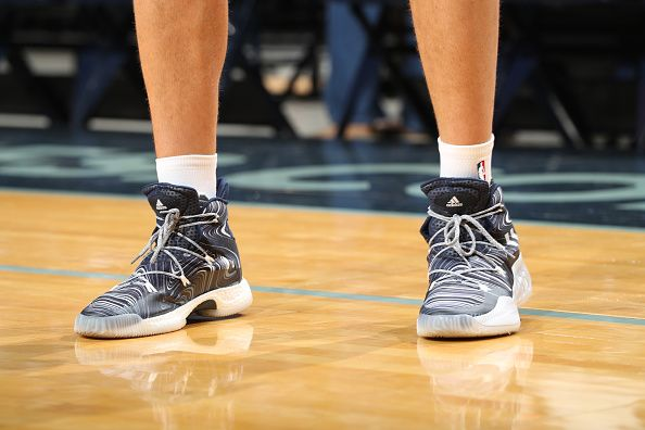 MEMPHIS, TN - OCTOBER 3: The sneakers of Chandler Parsons #25 of the Memphis Grizzlies before the game against the Orlando Magic during a preseason game on October 3, 2016 at FedExForum in Memphis, Tennessee. NOTE TO USER: User expressly acknowledges and agrees that, by downloading and or using this photograph, User is consenting to the terms and conditions of the Getty Images License Agreement. Mandatory Copyright Notice: Copyright 2016 NBAE (Photo by Joe Murphy/NBAE via Getty Images)